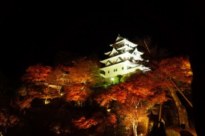 gujo-hachiman_castle_in_flames_01