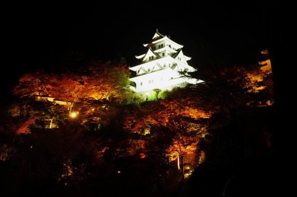gujohachiman_castle_lightup_2015